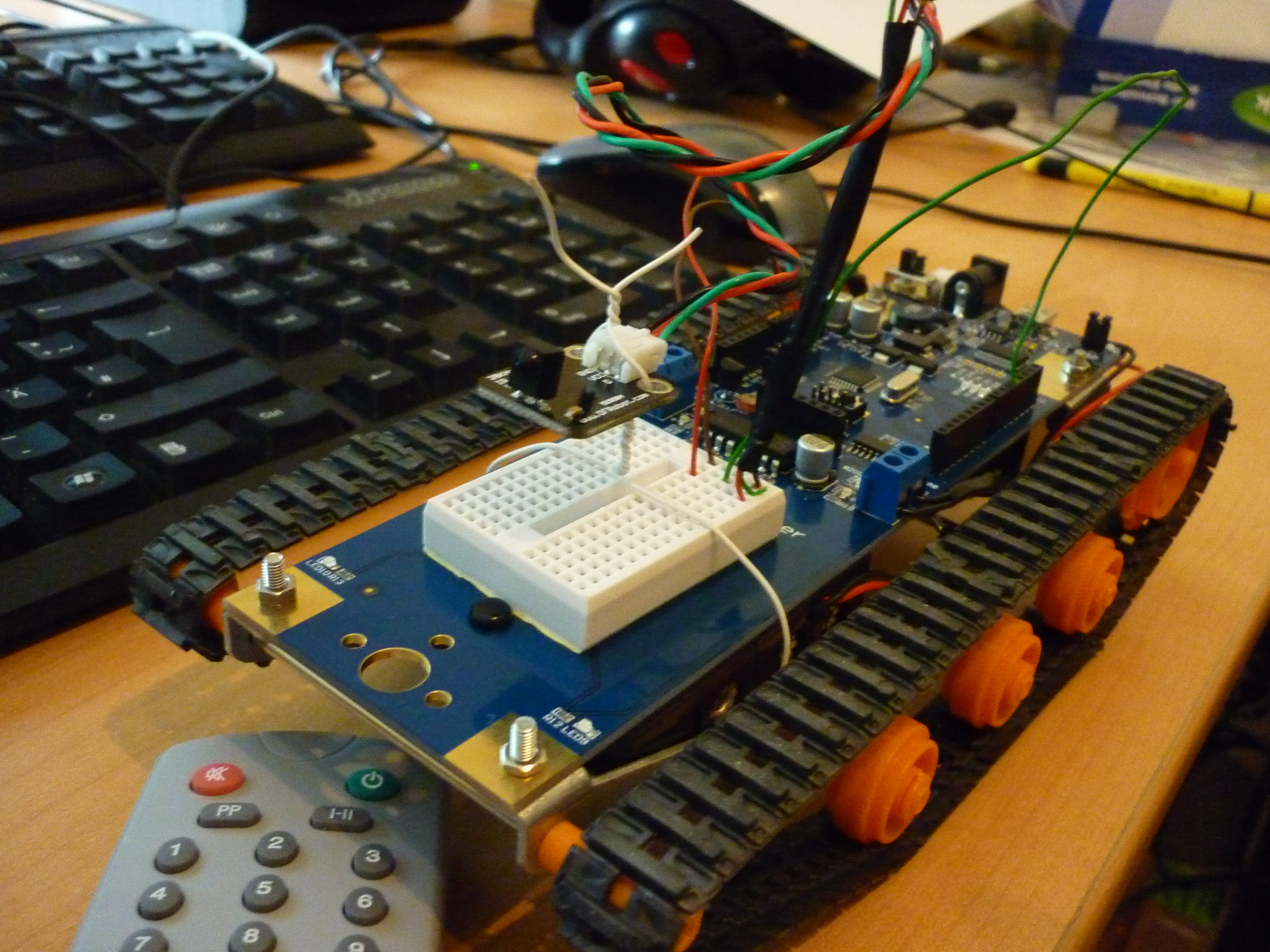 Projektvorstellung microcontrollerbasierter roboter mit
